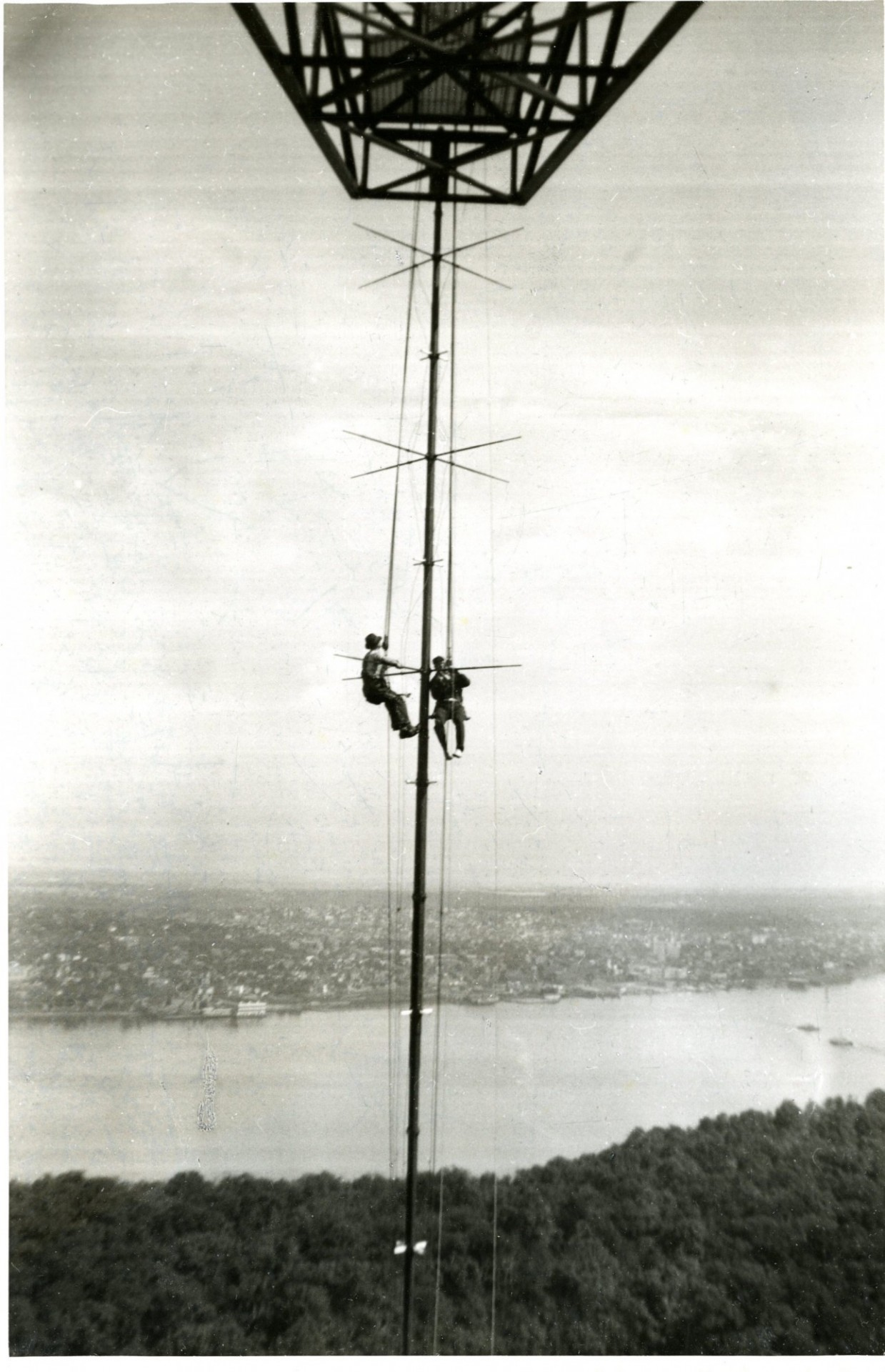 Major E.H. Armstrong suspended from radio tower in Alpine, NJ